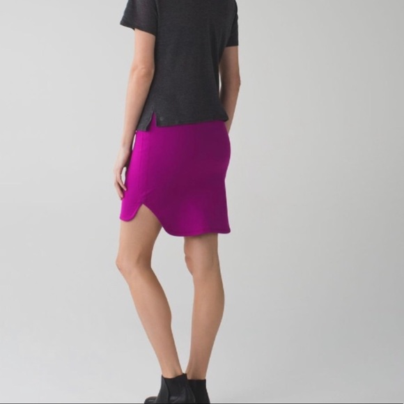 lululemon athletica Dresses & Skirts - Lululemon EUC city skirt size 10